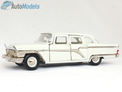 gaz-13-chaika-white-made-in-ussr-agat