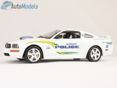 ford-mustang-gt-guaynabo-city-puerto-rico-police-2006-ixo-models-moc103