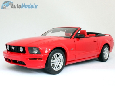 ford-mustang-gt-convertible-2005-autoart-73061
