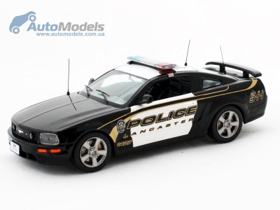 ford-mustang-gt-usa-lancaster-police-2005-ixo-moc082