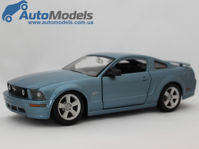 ford-mustang-gt-2006-blue-maisto